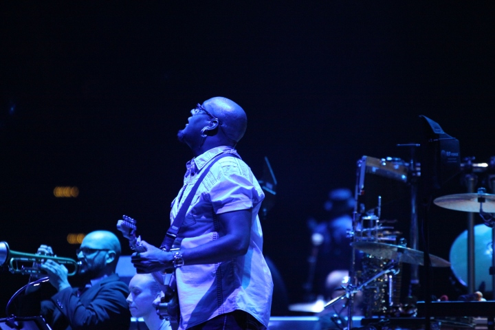 Tariq Akoni In the Round Tour Toyota Center, Houston November 13 2013 Taken By Wylde Soul Photography