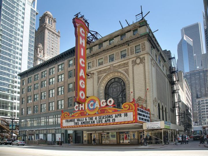 """Chicago Theatre blend"" by Daniel Schwen - Own work."